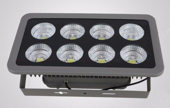 Светодиодные прожекторы для уличного освещения купить